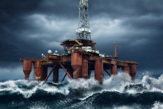 Ofshore oil platform in waves